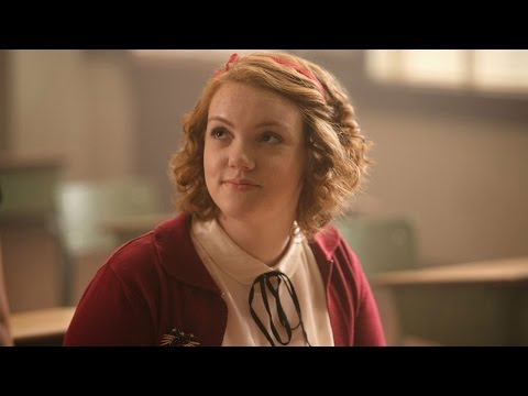'Stranger Things' Star Shannon Purser APOLOGIZES to LGBTQ Community After Coming Out as Bisexual