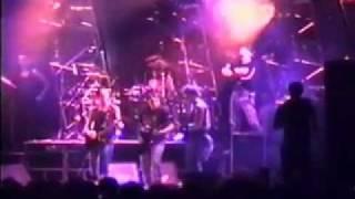 """4/15 - Titãs ao vivo com Cesar Gavin no baixo """"Agonizando"""" em Pato Branco (1994)"""