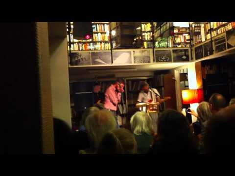 Love Explosion låt 3 rönnells antikvariat 10 juni 2011