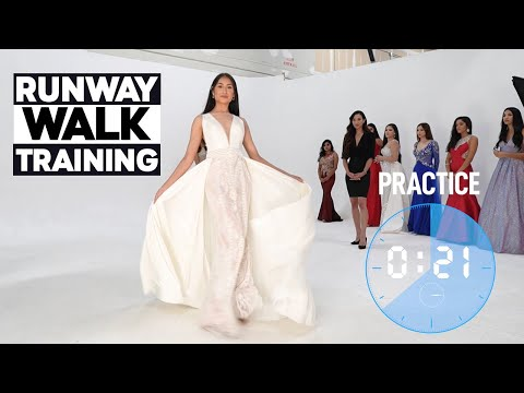 Runway Walk Training   Modeling Class On How To Catwalk In ...