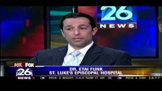 Etai Funk MD discusses facial plastic surgery during this economy. Aired on Fox News, January 26th 2009