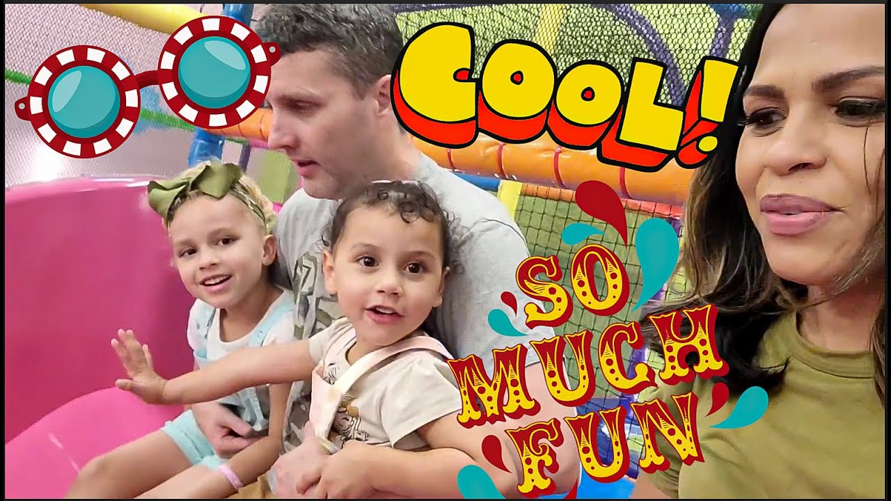 INDOOR PLAYGROUND WITH MARIE & AMELIE // Family Fun Day At The Play Center // Kids Activities