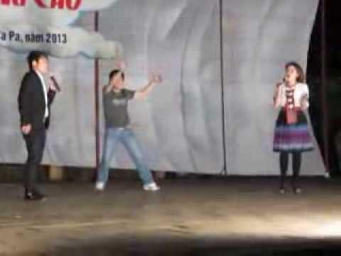 Thay niên phê thuốc lên múa trên sân khấu
