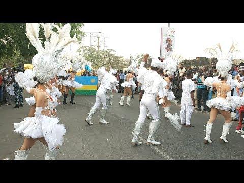Download Watch Mexican Band Dancing Shaku Shaku At Carnival Calabar 2018 HD Mp4 3GP Video and MP3