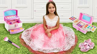 Sofia is going to the princess ball and funny stories with Toys for girls