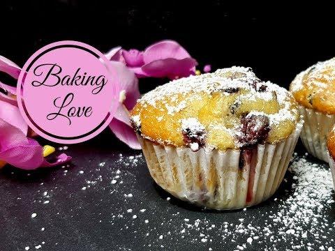 Die besten Joghurt-Muffins FETTARM I saftige Muffins mit Kirschen und Schokodrops
