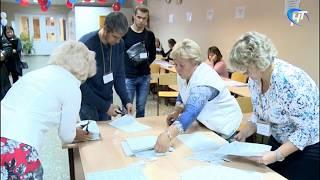 В 20:00 избирательные участки закрылись и начался подсчет голосов