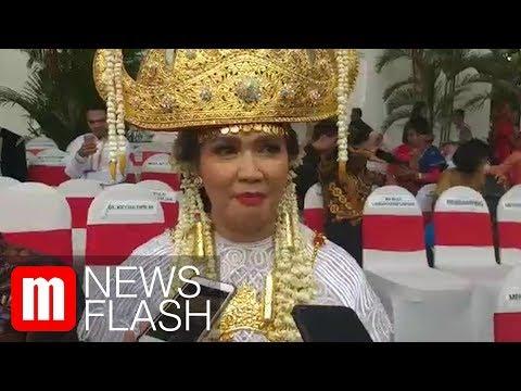 Istri Menhan dan Sultan Gunung Tabur dapat Sepeda dari Jokowi