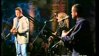 """Video thumbnail of """"Alison Krauss  Vince Gill  Tryin' to get over you"""""""