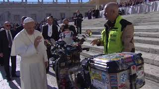 10.000 kilómetros por las enfermedades olvidadas, bendecidos por el Papa Francisco