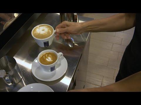 Video Paris in Jersey City: Vogue Café