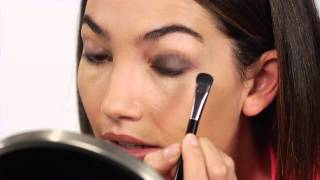 5 Minutes To Sexy:  VS Angel Lily Aldridge Gives A Smoky Eye DIY