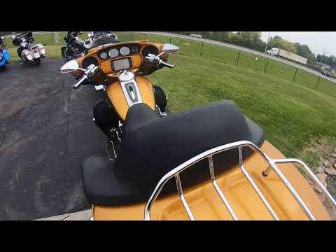 2015 Harley-Davidson CVO Ultra Limited FLHTKSE