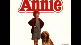 (Annie Soundtrack) We Got Annie