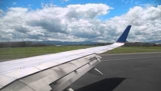 United Airlines Boeing 737-800 Landing - SAL