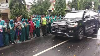 Antusias Warga Blitar Menyambut Kedatangan Presiden Jokowidodo