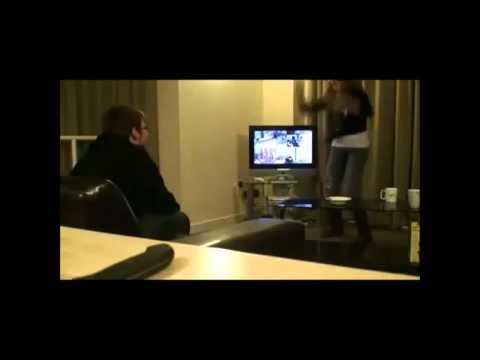 Frau rastet aus und zerstört xBox :o
