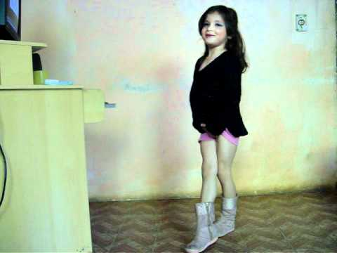 leticia dançando.MOV