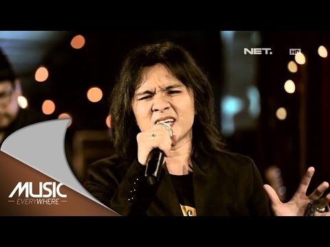 Alex Rudiart - Aku Milikmu (Dewa 19 Cover) (Live At Music Everywhere) * Mp3
