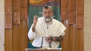 הלכות סעודה שלישית ושניים מקרא ואחד תרגום