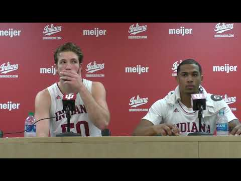 Joey Brunk and Devonte Green react to Indiana's win over Princeton