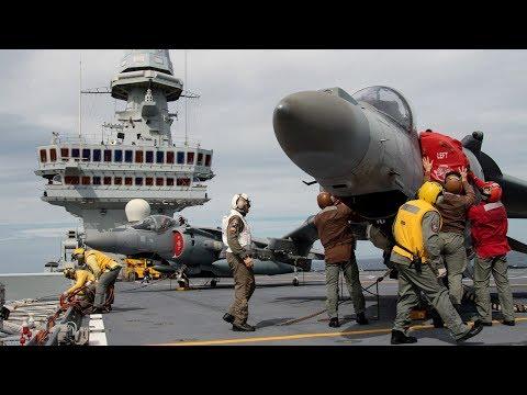 La protezione aerea delle portaerei. Documentario.
