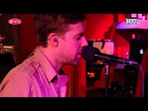 Kaiser Chiefs - Coming Home (live @ BNN Thats Live - 3FM)