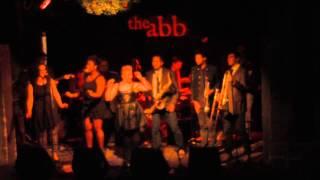 "2-3-15 - Sarah Buino sings Joss Stone's ""Headturner"""
