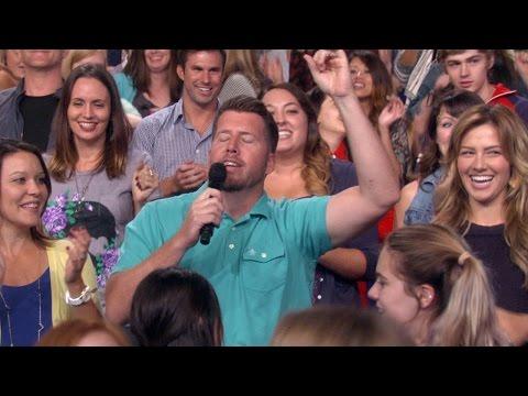 Ellen's Audience Shakes It Off