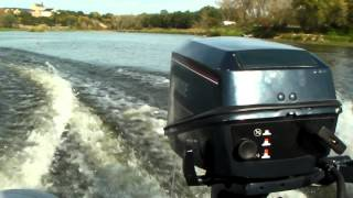 preview picture of video 'EVINRUDE 6 +  Bombard 1000'