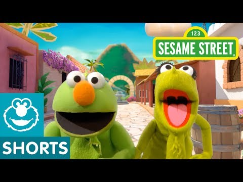 Sesame Street: Elmo the Musical: Iguana