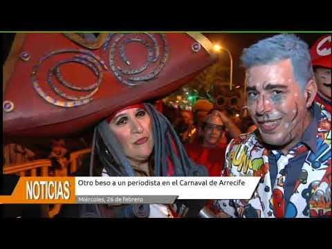 Resultado de imagen de Otro beso a un periodista en el Carnaval de Arrecife