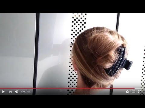 French Twist with a big and a small hair claw clip / Banane mit großer und kleiner Krebsspange