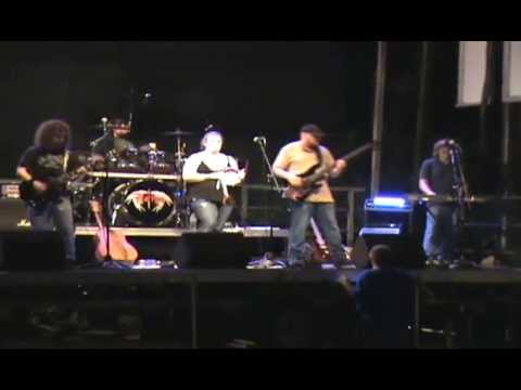 "Harken performing live, cover of ""Faithfully"" by Journey at the Mary Breckingridge Festival"