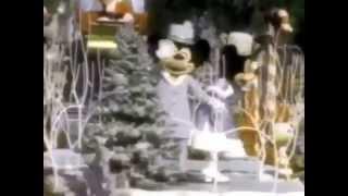Here Comes Santa Claus Disneyland Very Merry Christmas