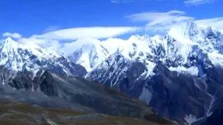 preview picture of video '360° View of mountains from Tserko Ri (5,033m), Langtang trek, Nepal'