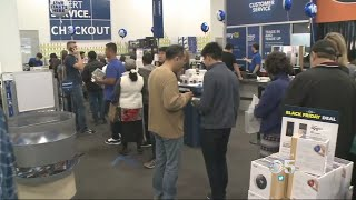 Bay Area Shoppers Spending More as Black Friday Kicks Into Gear