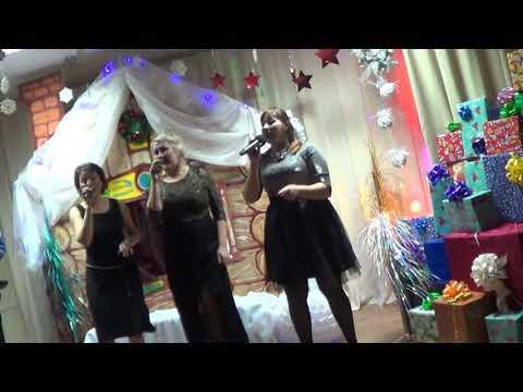 Новогодние игрушки, свечи и хлопушки - влет...
