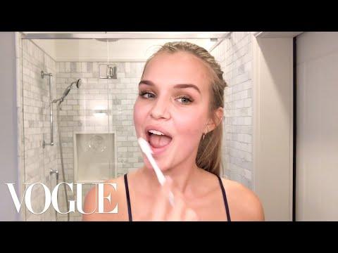 Victoria's Secret Angel Josephine Skriver's Lip-Plumping Secret   Beauty Secrets   Vogue