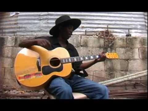 Chơi guitar = 1 dây. Thật tuyệt vời