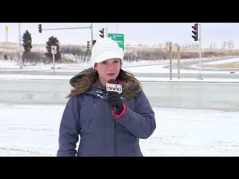 Ведущая новостей получила снежком в лицо