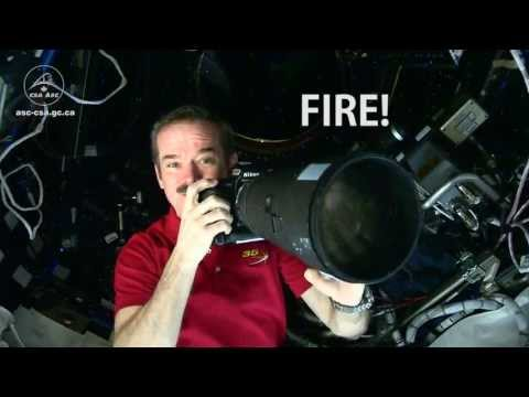 The Camera Settings Chris Hadfield Uses for All Those Wonderful Space Photos