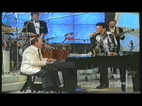 Edoardo Bennato & Renato Carosone -Tu vuò fà l'Americano-Chella llà