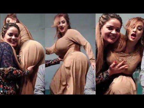 Afreen Khan Hot Pakistani Mujra Actress Talking To Fanz 2