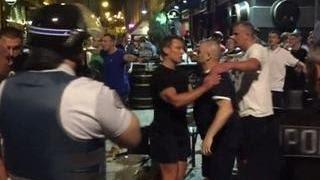 Драка в Марселе: Евро-2016 начался с битвы стенка на стенку