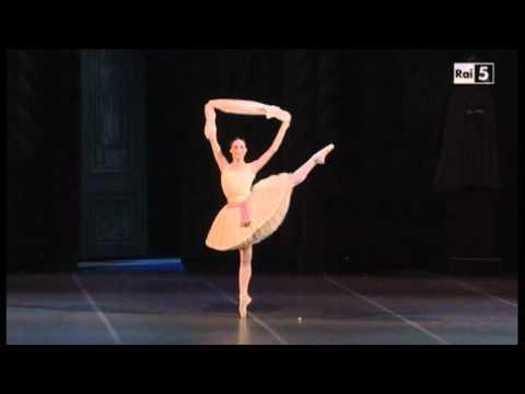 Raymonda - I Act - Raymonda Variation, pas de châle - Novikova