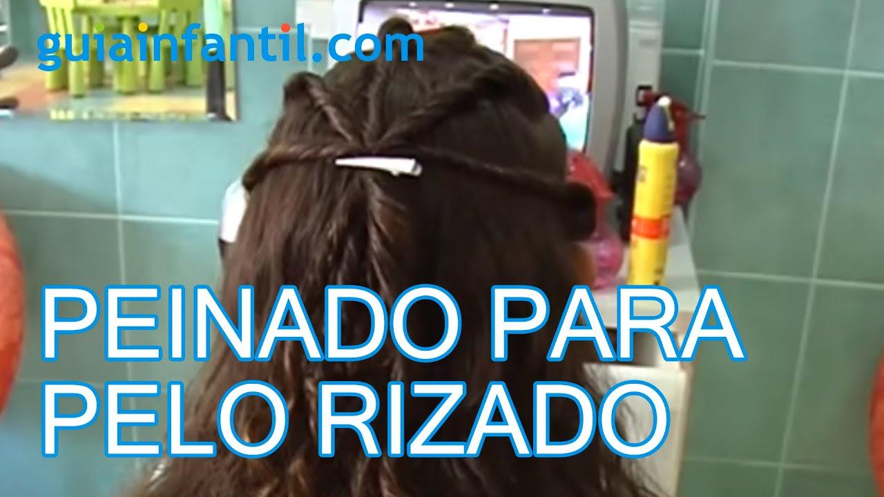 Un peinado para pelo rizado, peinados de niñas