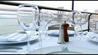 Bright Lights, Big City - Harbour Lights Restaurant - New York - on Voyage.tv