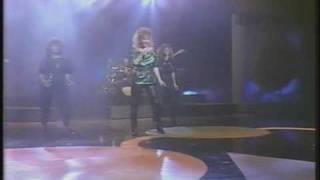 Reba McEntire Singing Respect!