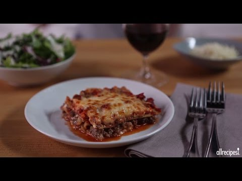 Ground Beef Recipes – How to Make Classic Meat Lasagna